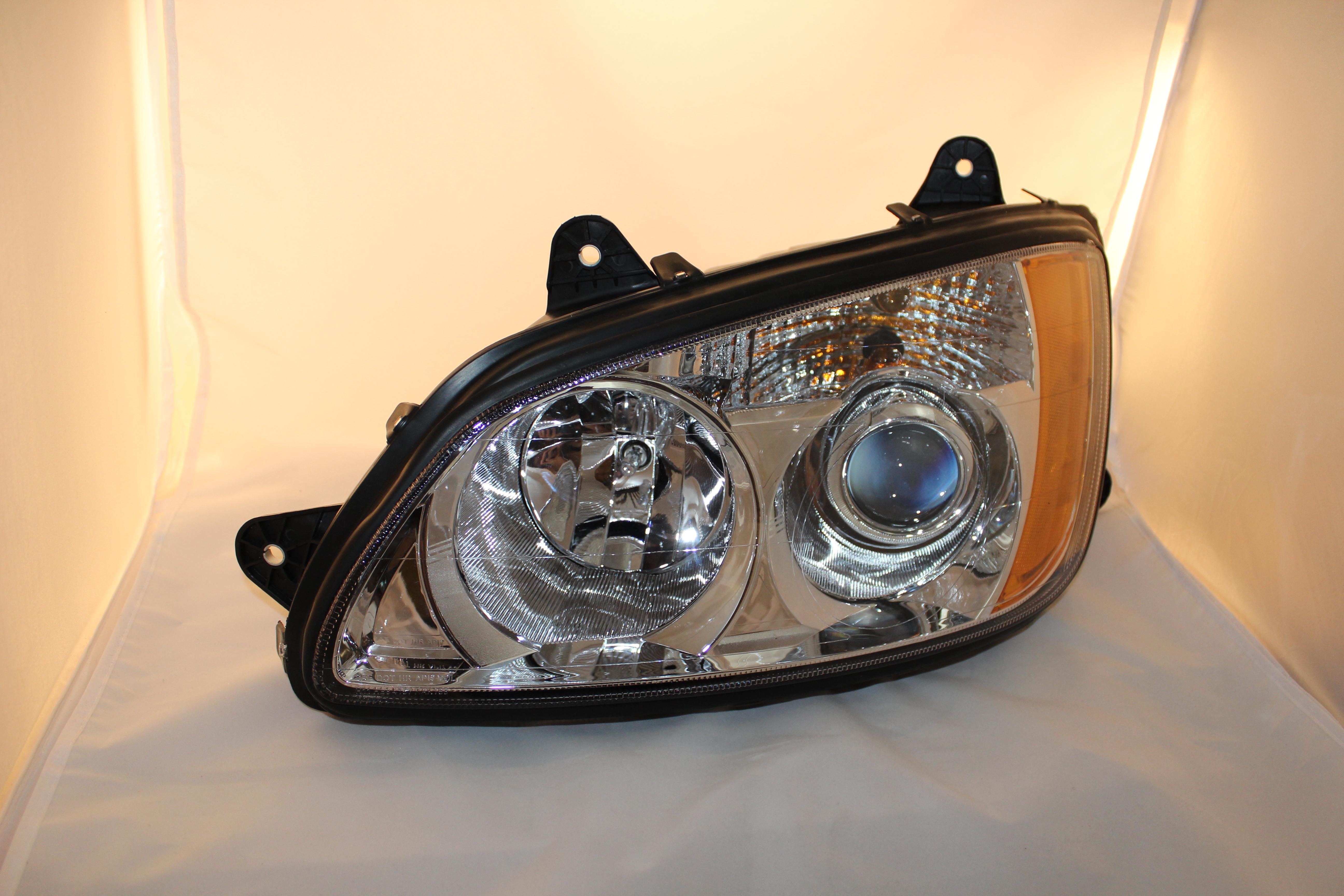 Kenworth T660 T700 Bi-Xenon Headlight Upgrade Kit - Deep Space Lighting