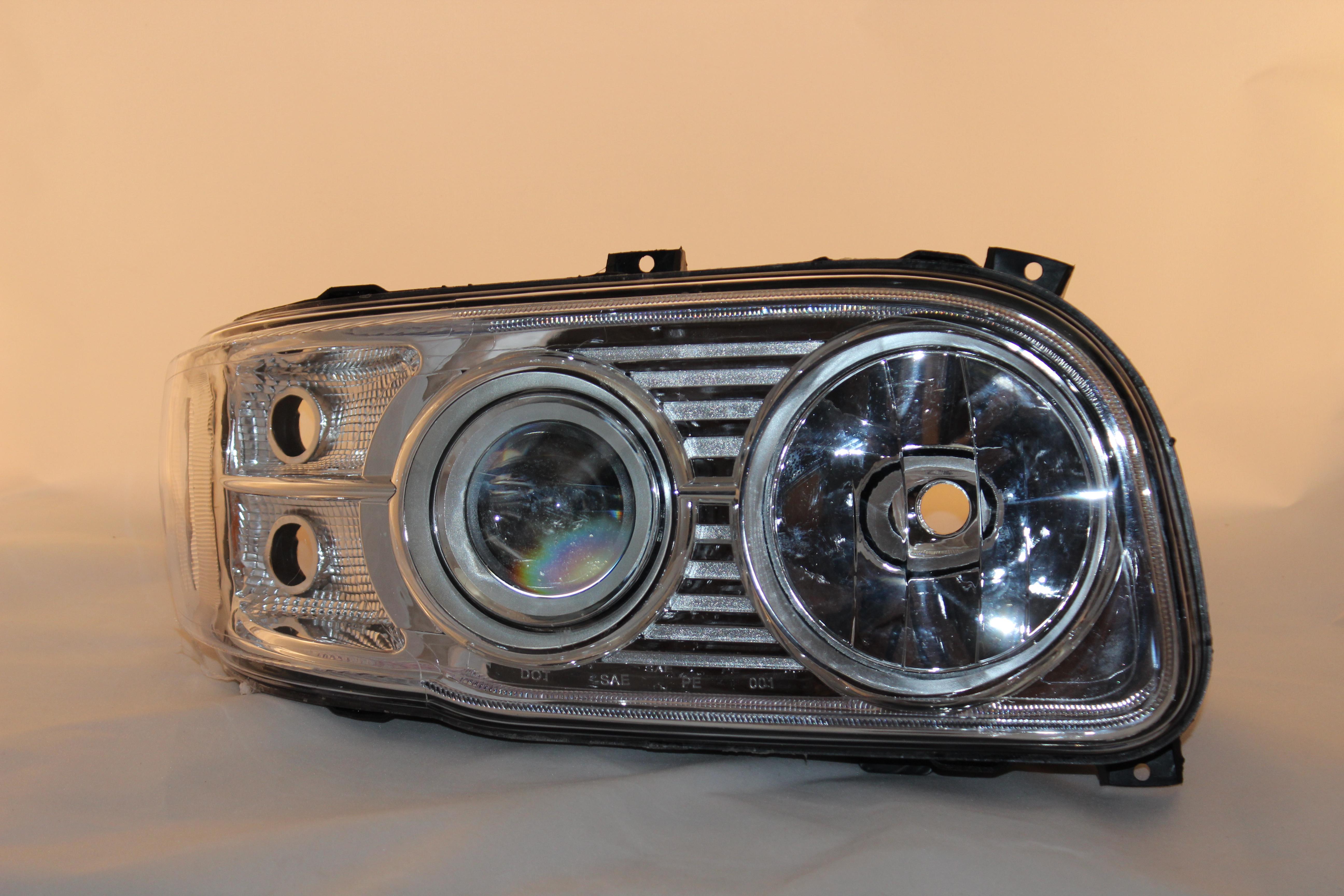 peterbilt 388 389 567 bi xenon projector headlight upgrade. Black Bedroom Furniture Sets. Home Design Ideas